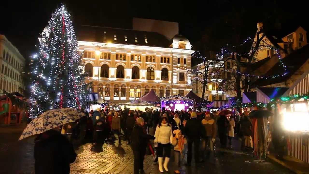 Ziemassvētku tirdziņš Līvu laukumā