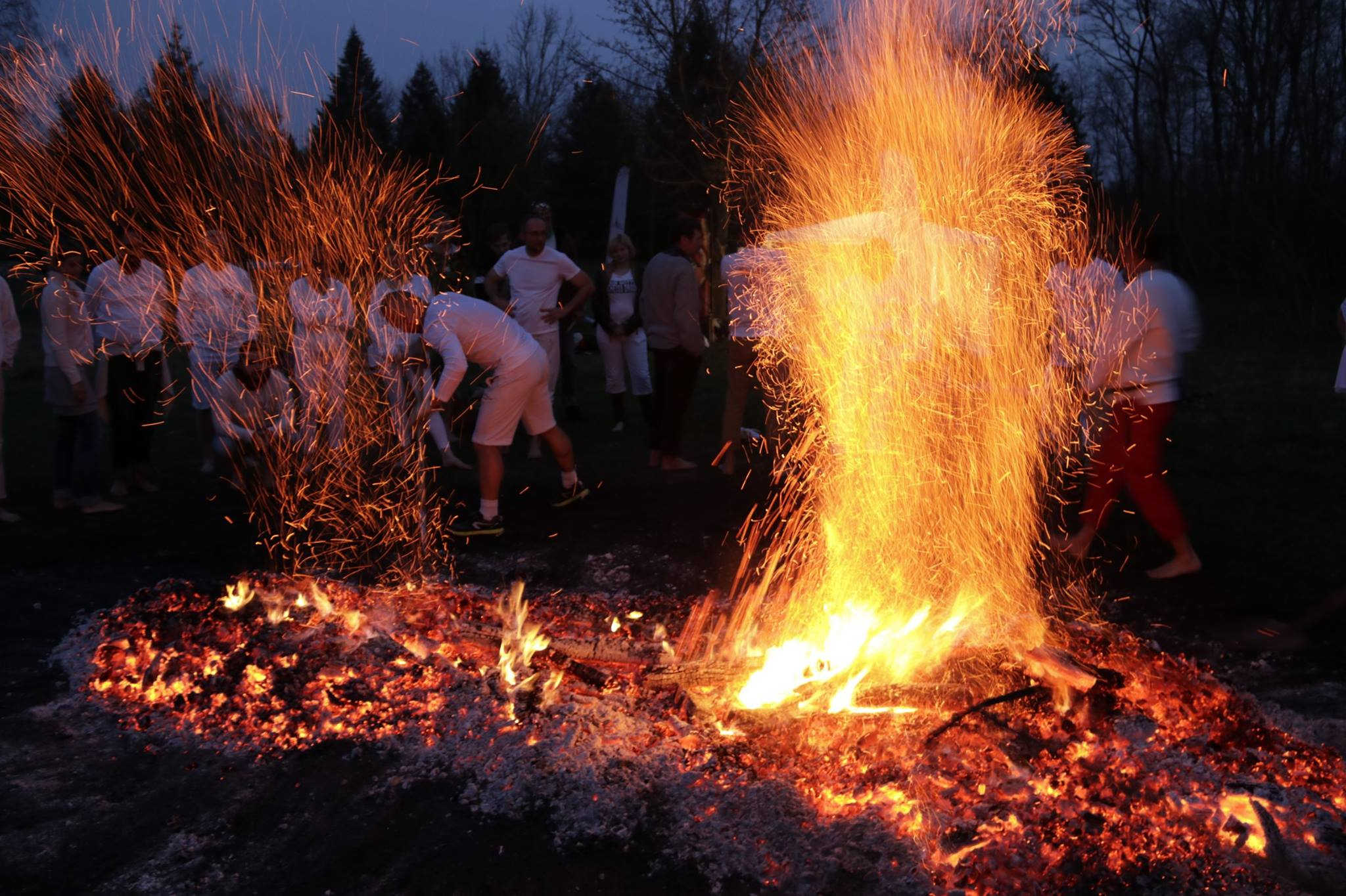 Ziemas Saulgriežu iegriešanas Ugunsstaigāšana